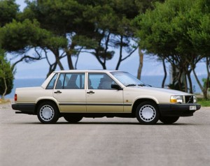 Top 10 Cheapest Used Cars Under $5000 In 2015-Volvo 740 Sedan