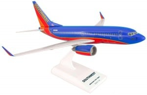 Daron Skymarks Southwest B737-700 Airplane Model Building Kit, 1130-Scale
