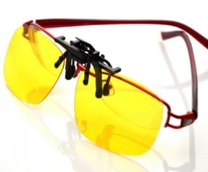 Yellow Night Vision Retro Polarized Clip-on Flip-up AVIATOR Plastic Sunglasses Driving Traveling-5.3X2.4X1.4 INCH