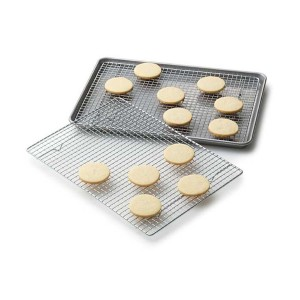Professional Cross Wire Cooling Rack Half Sheet Pan Grate