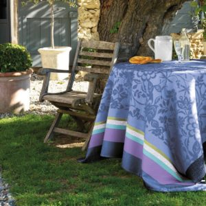Le Jacquard Français.- Provence Bleu Lavande Cotton Tablecloth, 175x175 cm (68Wx68L)