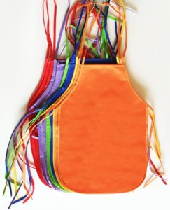 GiftExpress 12 Pack Assorted Colors Children's Artists Aprons Ideal For Painting Classroom and Kitchen