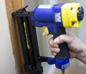 Top 10 best cordless air gun, nailer with auto stop in 2019 review 7