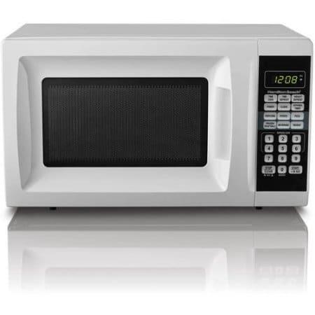 HB 700 Watt Microwave.7 cubic foot capacity